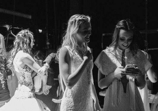 Barcelona Bridal Fashion Week enciende los focos sobre la moda nupcial en una noche de gala