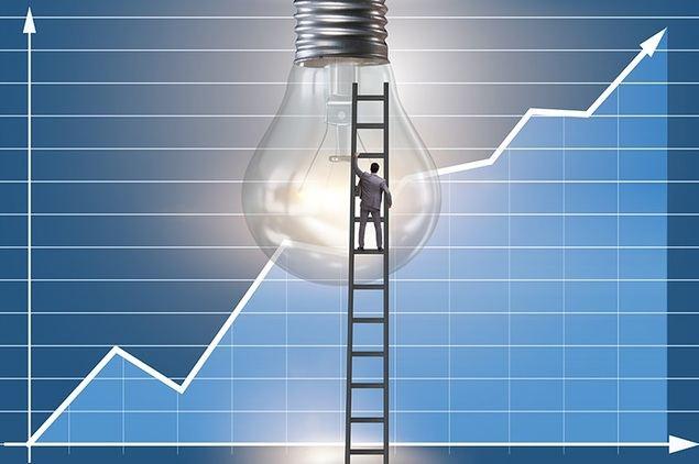 La electricidad se lleva el 70% de la subida del IPC en agosto alentada por la impasividad ante su desboque