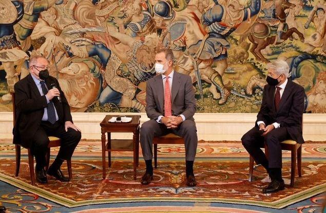 Cámara de España y el Consejo General de Economistas destacan la estabilidad institucional como clave en el desarrollo de España desde 1975