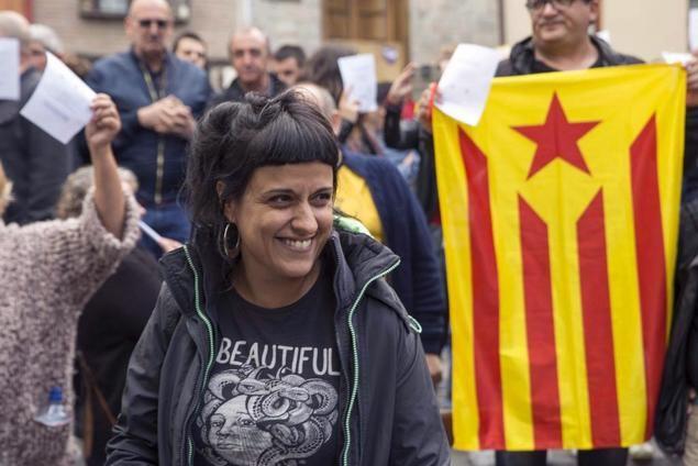 Los dirigentes independentistas de la CUP, y el Gobierno de España que colabora con ellos, son los directos responsables del desastre económico que supone para Cataluña la paralización de la ampliación del Aeropuerto del Prat.