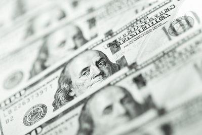 El dólar disfruta con las alusiones de la Reserva Federal a la moderación