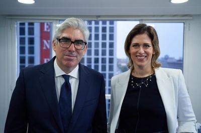 Sarah Schwartz se incorpora a Across Legal
