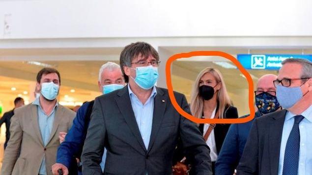 La Generalitat tiene en nómina a la asesora de prensa de Puigdemont en Bruselas