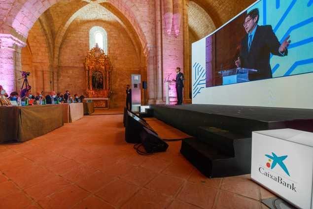 José Ignacio Goirigolzarri, presidente de CaixaBank, durante su intervención en el Congreso de la Empresa Familiar de Castilla y León.