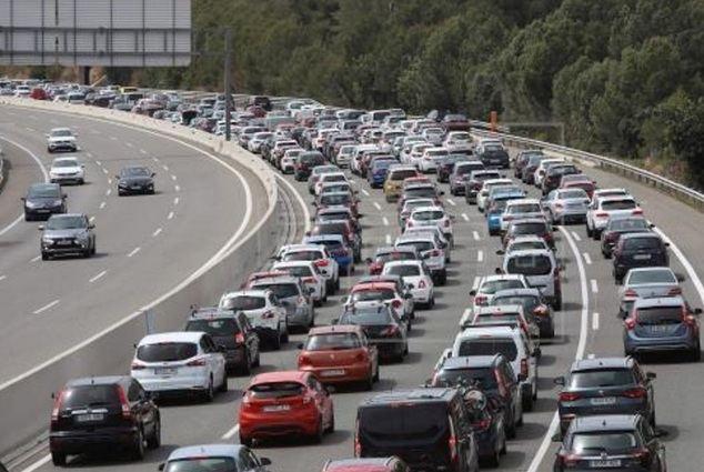 Huelga de Renfe aumentará desplazamientos por carretera: ¿Tienes previsto viajar este Puente del Pilar en coche?
