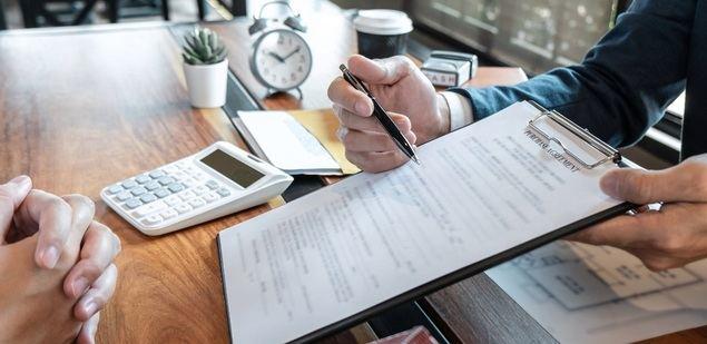 ¿Cómo saber si una cláusula del seguro es lesiva?