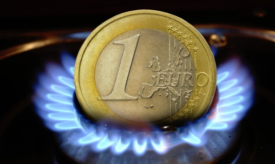 Los mercados se alejan del riesgo al tiempo que los precios de la energía suben y entran en el terreno de destrucción de la demanda