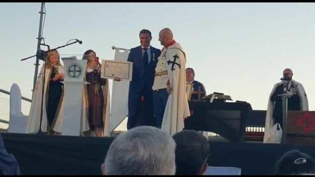 Alfonso Merlos, presidente del Grupo El Mundo Financiero, distinguido con la Cruz de la Orden de Calatrava la Vieja
