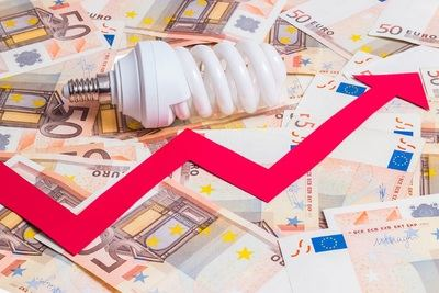 Las subidas de la luz y los carburantes empeoran la situación financiera del 80% de los españoles