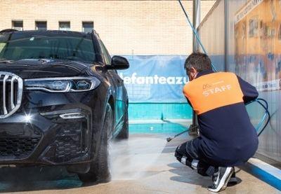 ¿Cuánto cuesta lavar un coche en España?