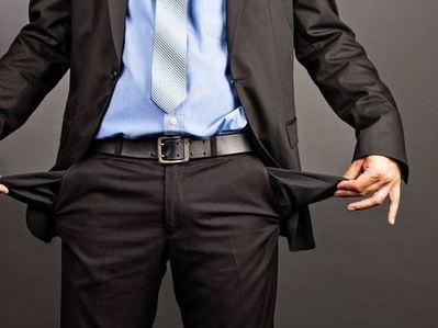 Uno de cada siete españoles que ganan mucho dinero acaban arruinados