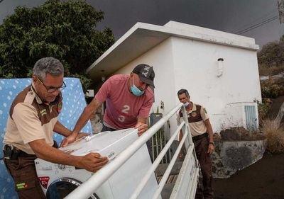 La solidaridad se vuelca con los afectados por el volcán Cumbre Vieja de La Palma