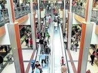 Las grandes superficies valencianas pretenden atraer clientes abriendo los cinco festivos de diciembre
