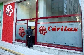 Caralin Group se une a Cáritas para repartir más de 3.500 kilos de comida a los más necesitados