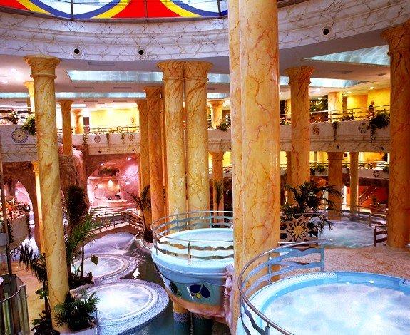 El balneario de Marina d'Or está considerado como el mayor de agua salada de Europa.