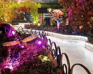 El Jardín Encantado es una de las últimas atracciones de la Ciudad de Vacaciones Marina d'Or en localidad española de Oropesa del Mar (Castellón).